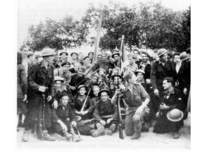 Gernika batailoiko kideak Montaliveten (Gironda). 1945eko apirila. Argazkia: Pedro Ordoquiren artxiboa